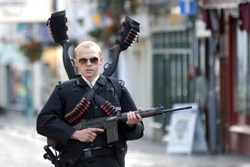 http://commentarytrack.files.wordpress.com/2007/07/hot-fuzz-073107.jpg
