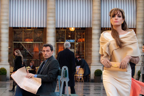 review the tourist 2010 by angelina jolie and johnny depp in venice and paris